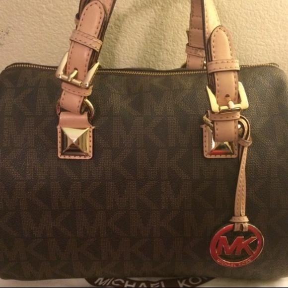 160e954f9534 Michael Kors Bags | Grayson Signature Medium Satchel Auth | Poshmark